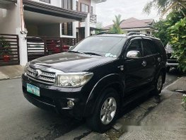 Black Toyota Fortuner 2009 Automatic Gasoline for sale