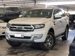 White Ford Everest 2016 at 45000 km for sale