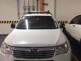 Sell White 2010 Subaru Forester at 166374 km