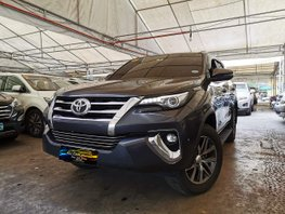 Selling Grey 2019 Toyota Fortuner 2.8 V 4x4 AT at low mileage in Makati