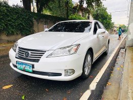 Sell White 2010 Lexus Es 350 at 69200 km