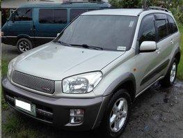 Selling Used Toyota Rav4 2003 at 160000 km
