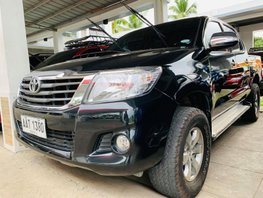 Sell Black 2014 Toyota Hilux Manual Diesel at 50000 km