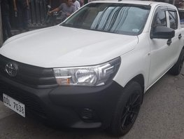 Selling Used Toyota Hilux 2016 Truck in Angeles