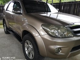 Selling Used Toyota Fortuner 2005 Automatic Gasoline