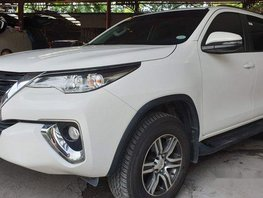 Selling White Toyota Fortuner 2018 Manual Diesel at 5300 km