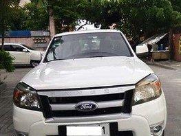 Selling White Ford Ranger 2011 at 74000 km