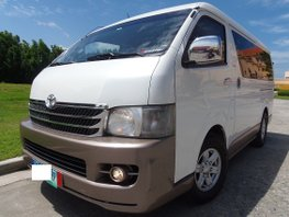 Sell White 2011 Toyota Hiace Automatic Diesel at 42000 km