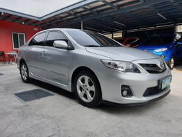 Selling Toyota Corolla Altis 2013 2.0 V Automatic in Las Pinas