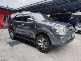 Selling Used Toyota Fortuner 2005 Automatic Gasoline in Las Pinas