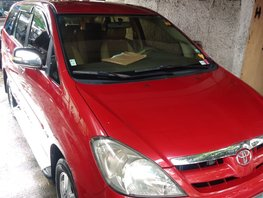 Selling Red Toyota Innova 2005 Automatic Gasoline