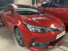 Selling Red Toyota Corolla Altis 2018 at 3800 km