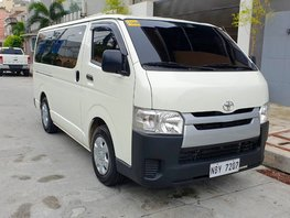 Sell White 2017 Toyota Hiace Manual Diesel