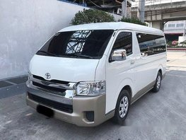 Selling Toyota Hiace 2015 in Quezon City