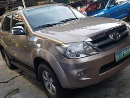Selling Brown Toyota Fortuner 2007 at 90000 km