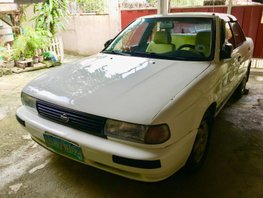 Selling White Nissan Sentra 1995 Manual in Rizal