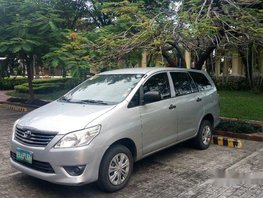 Silver Toyota Innova 2013 at 95000 km for sale