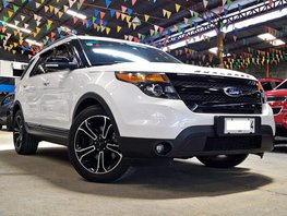 Sell White 2015 Ford Explorer at 25000 km in Quezon City