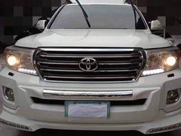 White 2012 Toyota Land Cruiser for sale in Metro Manila