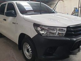 Sell White 2019 Toyota Hilux at 1900 km