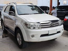 White 2010 Toyota Fortuner for sale