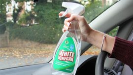 7 surprising uses of vinegar for car cleaning