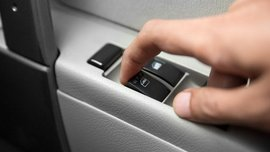 Car power window: All about its advantages & disadvantages