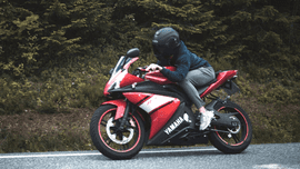 Motorcycle hand signs every driver should know [Newbie Guide]