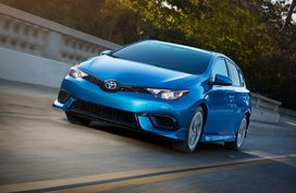 2017 Toyota Corolla iM: Hot-hatch look but not-that-hot driving experience