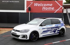 Volkswagen Golf GTE Performance concept officially launched