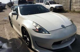 Nissan Fairlady 370z White AT For Sale