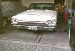 Ford Thunderbird V8