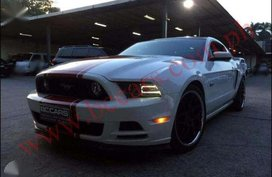 LIKE NEW 2014 Ford Mustang GT 5.0 FOR SALE
