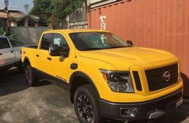 New 2017 Nissan Titan 5.0 V8 AT Yellow For Sale