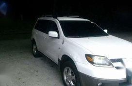 Mitsubishi OutLander 2005 AT White For Sale