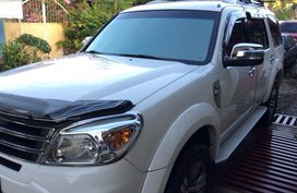 Well-kept Ford Everest 2013 M/T for sale