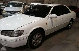2001 Toyota Camry GXE AT White For Sale