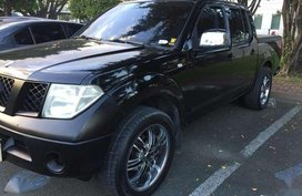 2009 Nissan Navara LE 4x2 2.5 AT Black For Sale