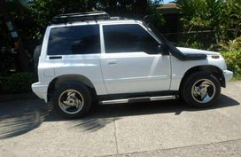 Suzuki Escudo 1.3 2008 MT White For Sale
