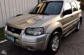 Ford Escape 4x4 2005 AT Silver SUV For Sale
