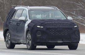 Spy shots of the Hyundai Santa Fe 2019 interior