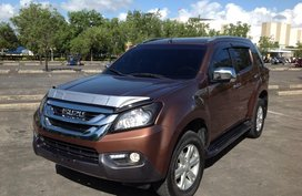 Well-maintained Isuzu MU-X LS-A SUV 2016 for sale