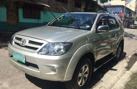 2005 Toyota FORTUNER Gasoline Automatic for sale