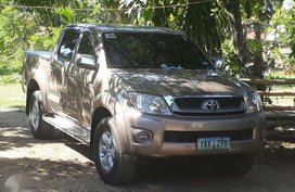For sale Toyota Hilux 2012 manual