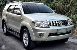 2011 Toyota Fortuner G Diesel AT for sale