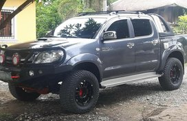 Toyota Hilux 4x2 manual diesel 2009 for sale
