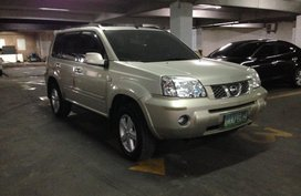 Nissan Xtrail 200 2.0 4X2 AT  accquired Dec. 2010 for sale