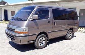 Toyota Hiace super custom 4x4 3L (hyundai grace pregio starex elgrand 2002