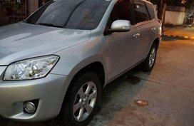 Toyota RAV4 2.4L AT 2011 FOR SALE
