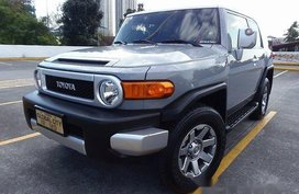 Well-maintained Toyota FJ Cruiser 2015 for sale